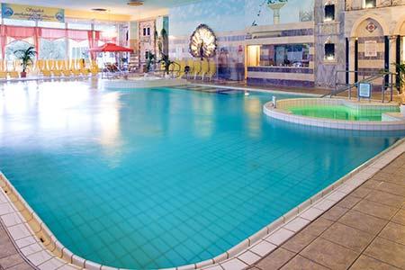 Whirlpool Bad Hnningen : Thermalbad schwimmen baden und wellness bad hönningen am rhein